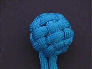 how to tie the Tiny Globe Knot