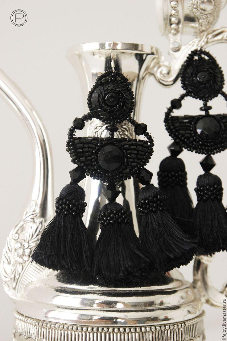 Купить Крупные серьги с шелковыми кистями. - черный, серьги, крупные серьги, серьги с кистями