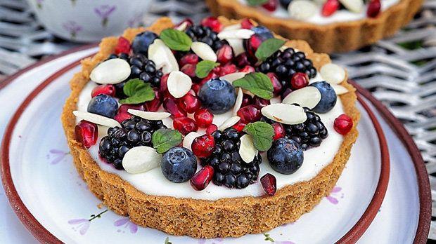 Tartaletky s domácím vanilkovým pudinkem a ovocem Foto: