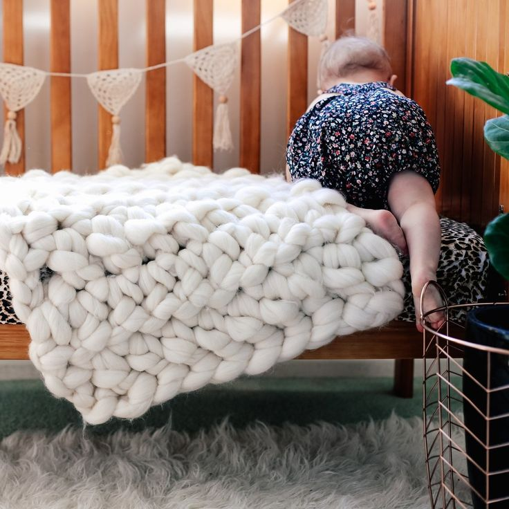 XXL chunky knit, made in New Zealand using pure New Zealand wool.  Buy your Couch Candy ready made, or buy a kit and arm knit your own super chunky wool throw (or use XXL needles).