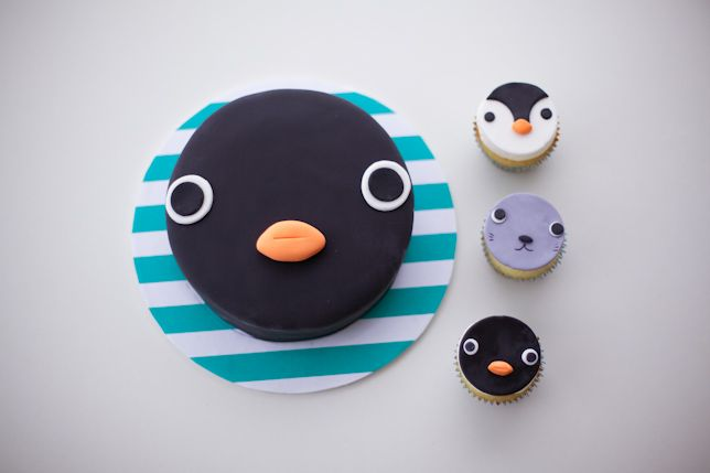 noot noot - pingu cake by coco cake land