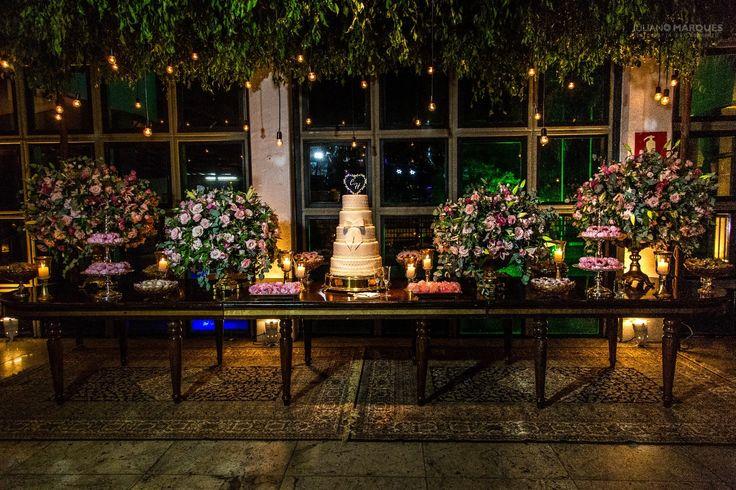 Mesa de bolo para casamento  Tema: Contemporâneo e rustico  Fotografia: @julianomarques