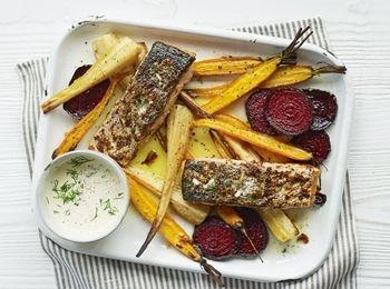 Somon cu legume la tavă și sos de hrean Pentru serile când pofteşti după o reţetă cu peşte, alege-o pe aceasta. Este bogată în fibre, vitamine şi conţine puţine calorii. Reţete cu mărar, Reţete cu muştar, Reţete cu legume, Internationala, Reţete cu hrean, Fara gluten, Reţete cu rădăcinoase, Pentru familie, Reţete cu morcovi, Reţete cu păstârnac, Rețete cu pește, Rețete cu somon, Cina, Reţete cu sfeclă