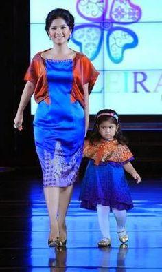 batik modern annisa pohan dan putrinya aira tungga dewi yudhoyono