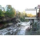 Cuyahoga Falls: Cuyahoga Falls Sheraton Hotel Restaurant overlooking the River.