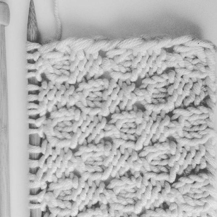 #popletenaellena #knitting #knittingpattern  vcera som na instagrame nasla novy vzor....neodolala som :-)