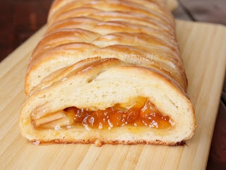 My Kitchen Snippets: Apricot and Apple Braid Pastry