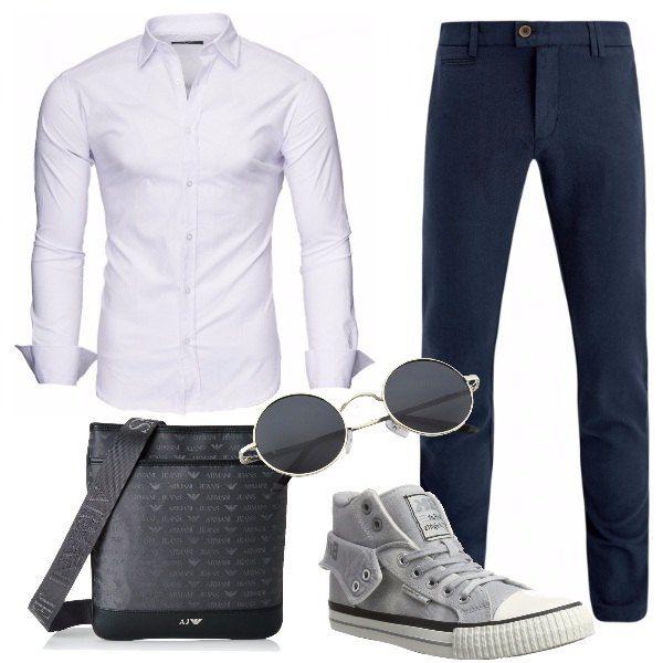 Look sobrio e molto trendy, perfetto per l'ufficio e il tempo libero, composto da pantaloni chino blu aderenti, camicia slim fit white, sneakers alte in tela grey, borsa a tracolla Armani Jeans e occhiali da sole stile vintage.