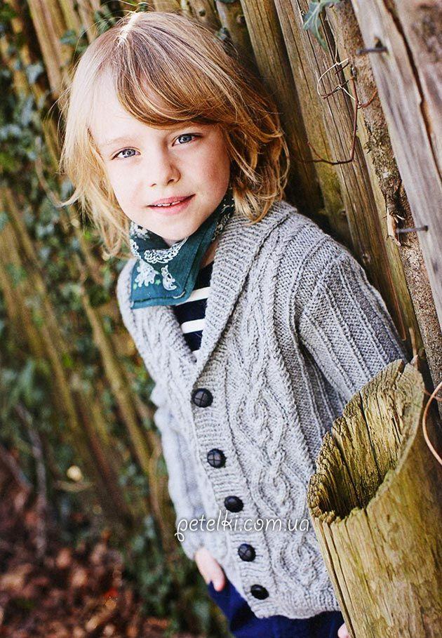 Agujas de tejer. Campera de abrigo con trenzas para un niño. Descripción esquemas