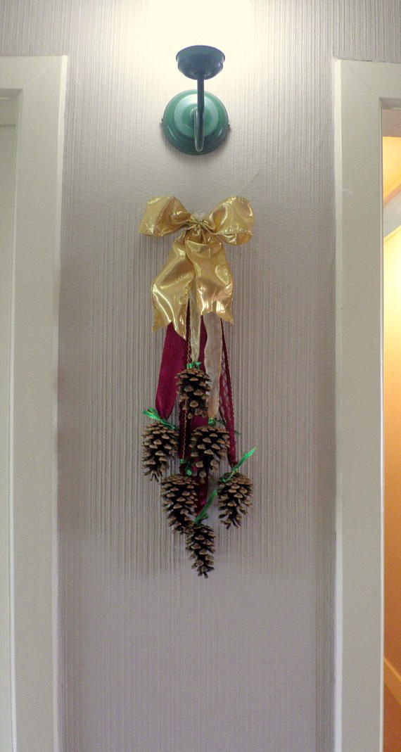 Check out this item in my Etsy shop https://www.etsy.com/uk/listing/552081460/shillelagh-pinecones-christmas-swag