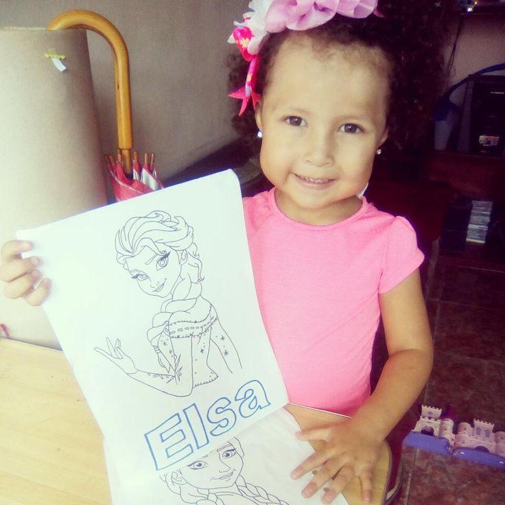 Ella y sus dibujos de #Elsa y #Ana ��❄... Para ella #Ana se ve mucho mejor con la cara #Azul y nariz #Roja y #Elsa con la nariz #Verde jeje �� http://misstagram.com/ipost/1551379418944131157/?code=BWHm1yqBFBV