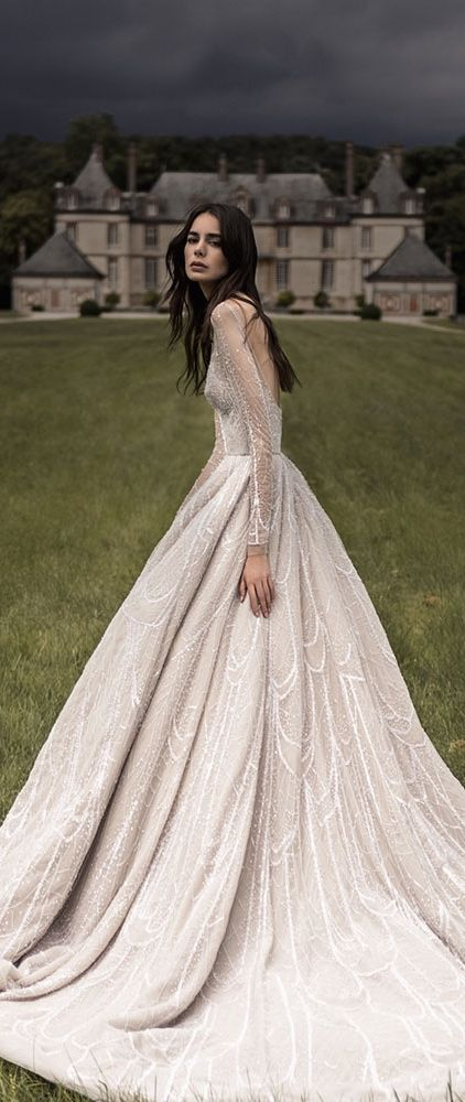 Paolo Sebastian 2016-2017 - Full skirted ball gown in cream with mesh sleeves and a shimmering pattern #princesschic...x