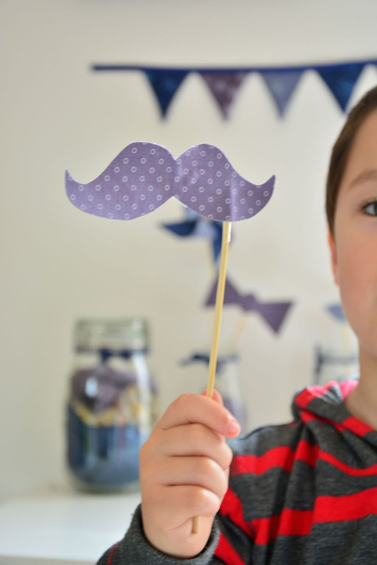 la-moustache-Frou-Frou-par-Made-by-CyCy
