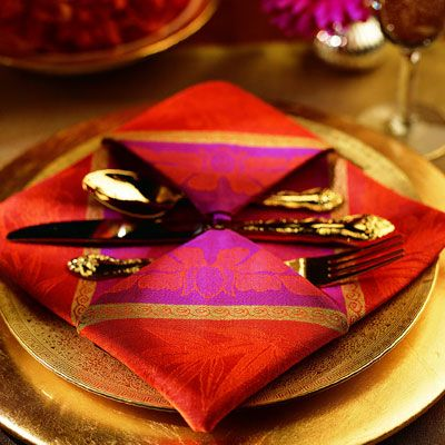 Pendant...Your guests will appreciate the artistic beauty of this fold, which complements any flatware or table setting.