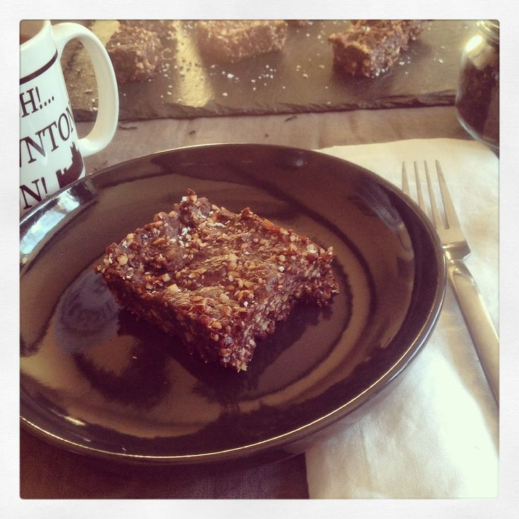 Deliciosas delicias están servidas en la mesa, para el perfecto afternoon tea.. Raw brownies!!!