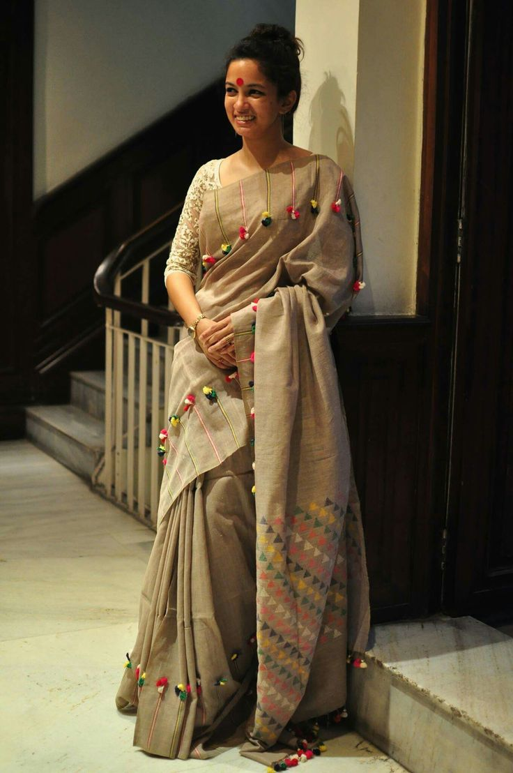 Oh My!! For the love of life, where can  I find such a saree!!
