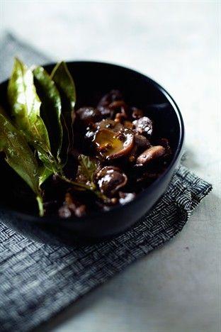 Salade de champignons à la grecque - Larousse Cuisine