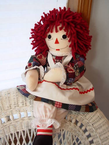 I love Raggedy Ann.  She brings back happy childhood memories.: Chilhood Memories, Matching Outfits, Favourit Dolls, Childhood I, Happy Childhood, Childhood Memories, Childhood Nostalgia, Memories Lane, Today Dolls