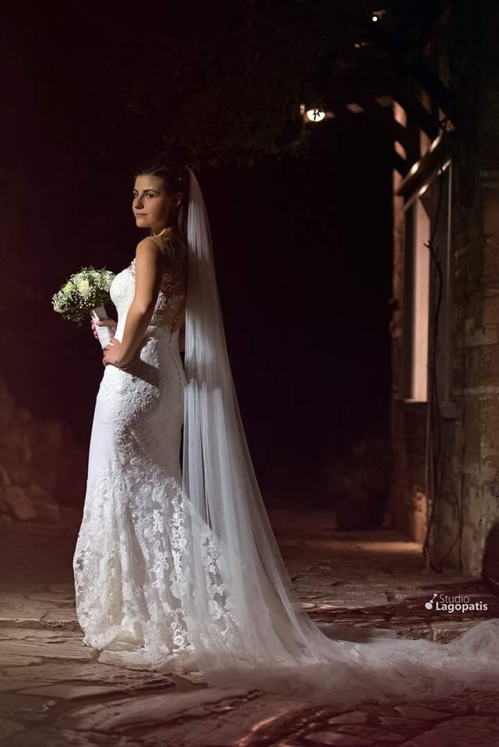 #beautifulbride #shesaidyes #bride #brideportrait #wedding #weddingphotography #weddinginathens www.lagopatis.gr