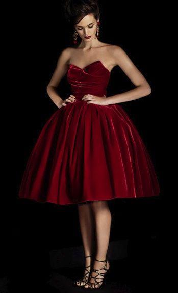 Ruby client . . . . sweetheart velvet dress / Dolce Gabbana. Gorgeous!!