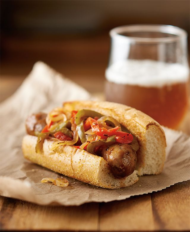 Sausage & Peppers feat. Microwave Pressure Cooker Serves 5 Serving size: 1 sausage link served with peppers and onions Prep: 10 minutes Cook: 15 minutes 5 sausage links, about 1¼ lbs./565 g 1 onion,...