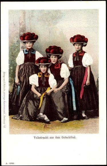 Postkarte Mädchen aus dem Gutachtal in Tracht mit Bollenhüten