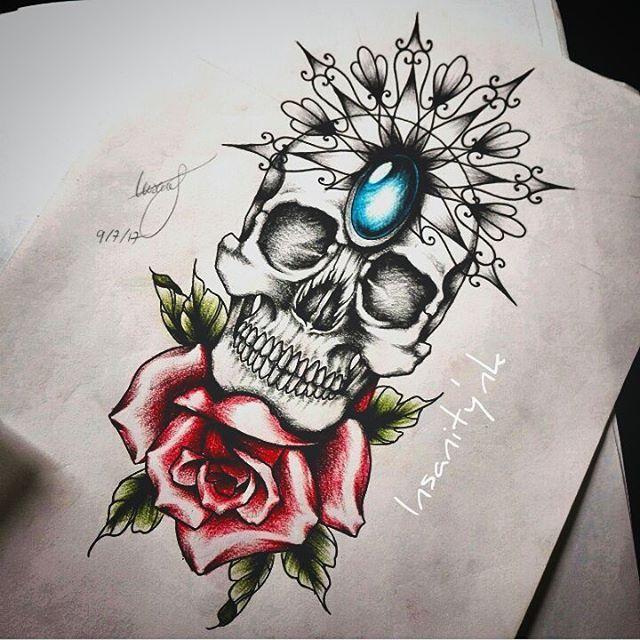 Projet disponible ; 22 x 12 cm Infos, réservation, tarif -» insanitydoll@hotmail.fr  #tattoos #tattooist #tattooartist #tattooflash #tattoosketch #skulls #skulltattoo #skullhead #blacktattoos #rose #rosetattoo #mandala #mandalatattoos #neotradsub #neotraditionaltattoo #neotradworkers #neotradtattoo #gemstone