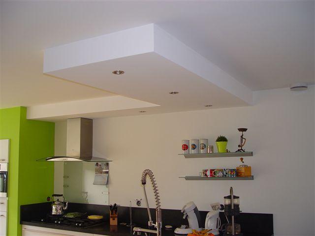 17 beste idee n over keuken koof op pinterest kroonlijst keuken wit kookeiland en keukenkast - Keuken witte laquee ...