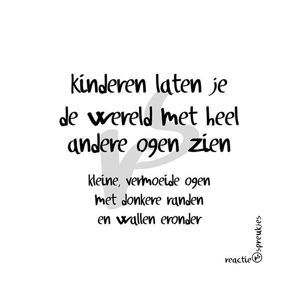 Kleine, vermoeide ogen met donkere randen en wallen eronder #humor #Nederlands #reactie #spreukjes