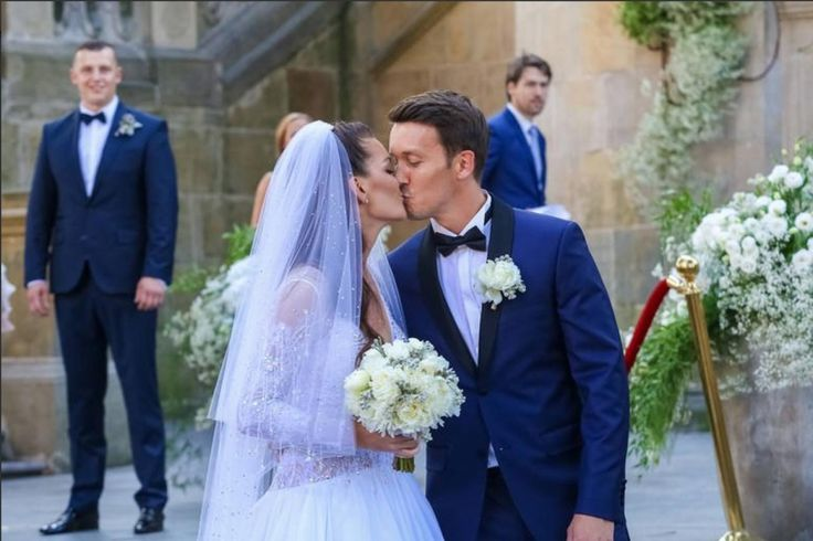 World No.10 Agnieszka Radwanska married long-time partner Dawid Celt in Poland on Saturday.