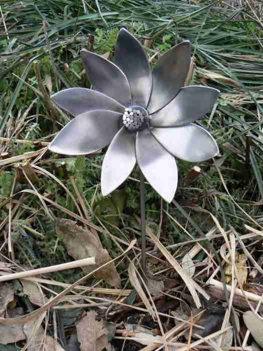 mild_steel_flower_2.JPG