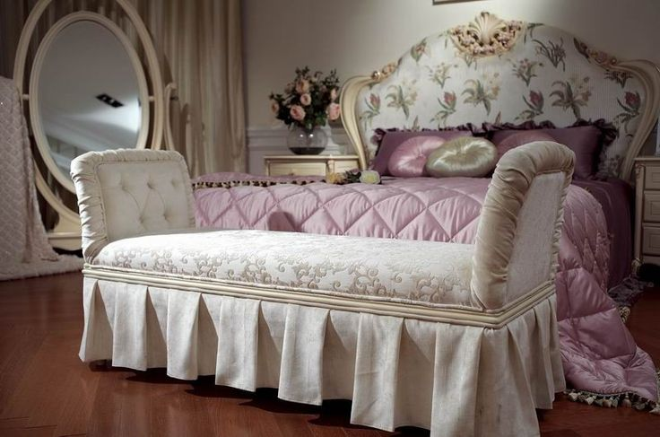 bedroom furniture / classic italian hand carved bedroom furniture / solid wood carving antique furniture