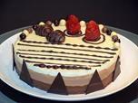"""Mi ultimo video en You Tube : """"Tarta de tres chocolates"""" que mejor para el día de la madre que endulzar ese día con esta maravillosa tarta. .  Una tarta riquísima  además  muy fácil de hacer, sin necesidad de usar horno que gustara a todos y queda espectacular para celebraciones especiales. . . . ------------------- El video en You Tube: http://youtu.be/qoV8gdL1mNw"""