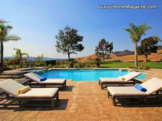 gorgeous pool and backyard - Garden Furniture East Bay