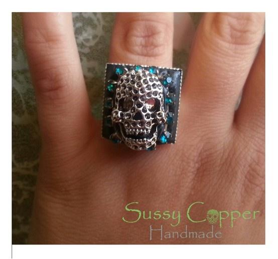 Anillo resina-eposi. Derechos de imagen y creacion de piezas de Sussy Copper sussycopper@gmail.com