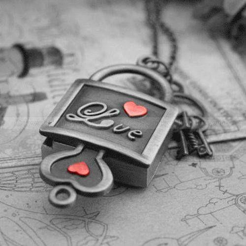 Love lock and love key~ Unlock my Heart.