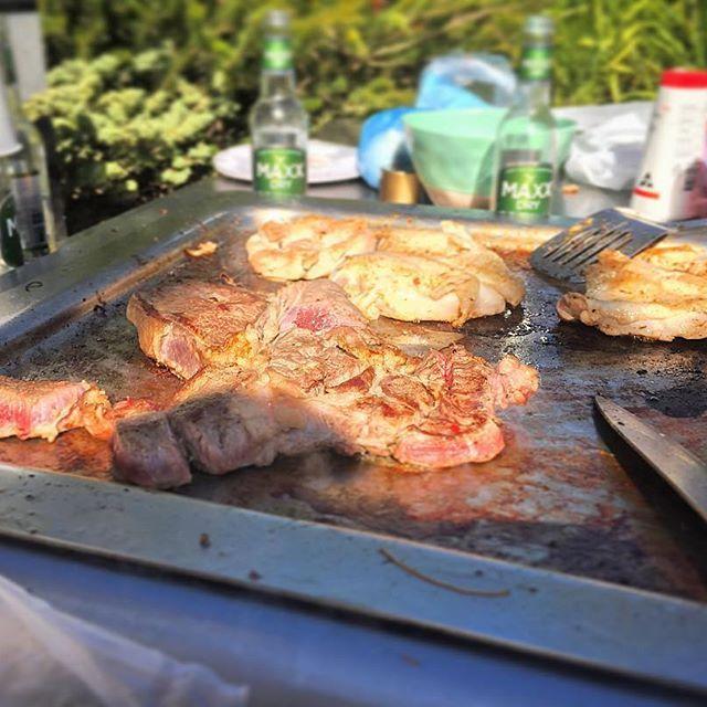 . bbqの季節ですが、このAussie beefが美味しすぎて只今1年前の余韻に浸ってます。🍖 #Aussie beef#オージービーフ#バーベキュー#bbq#bbq🍖 #肉#オーストラリア#🇦🇺