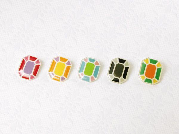 宝石のブローチ by rico アクセサリー コサージュ・ブローチ   ハンドメイド、手作り作品の通販・販売 minne(ミンネ)