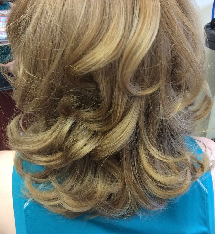 Soft curly blowdry