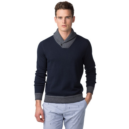 Knit from 100% cotton for handsome comfort, this regular-fit jumper has a short, thick shawl collar for a heritage finish. Classic flat knit with accent-coloured, ribbed collar, cuffs and bottom hem. Tommy Hilfiger logo flag above the left cuff. Our model is 1.86m and is wearing a size M Tommy Hilfiger jumper.
