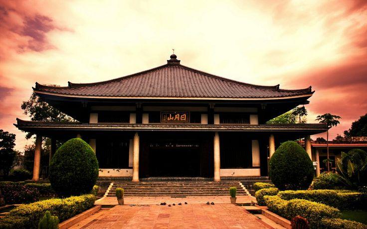 Çin mimarisi; Batı mimarisi ve İslam mimarisi ile birlikte, dünyanın ileri gelen üç mimarisinden birisidir.