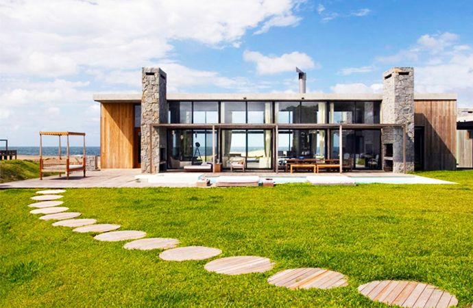 The Perfect Summer House: La Boyita by Martin Gomez Arquitectos, Uruguay   http://www.designrulz.com/architecture/2012/10/the-perfect-summer-house-la-boyita-by-martin-gomez-arquitectos-uruguay/