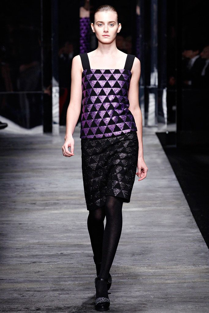 ladies suits Versus Versace Fall 2011 Ready to Wear Collection Photos   Vogue