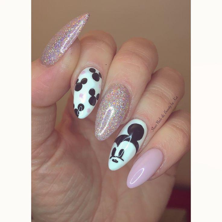 Unhas Da Disney Gelish Rosa Com Glitter Pega Magia Amelia E Mickey Mouse A Mao Design De Unhas Mickey Nails Disneyland Nails Minnie Mouse Nails