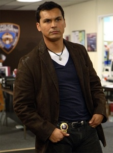Adam Beach, why do I find him soooooo attractive!!!
