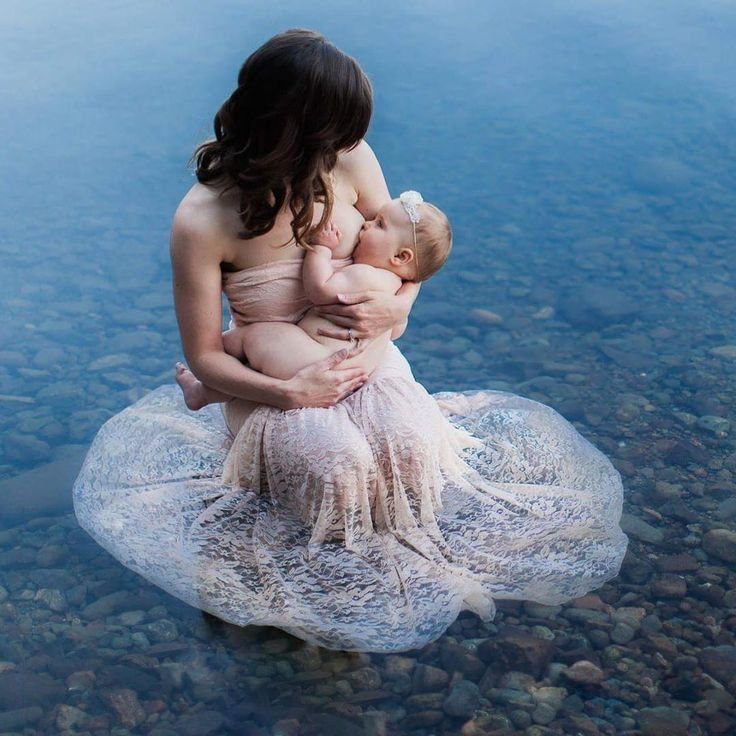 Water nursing photo, breastfeeding photo, mother daughter, Tiffany Burke Photography
