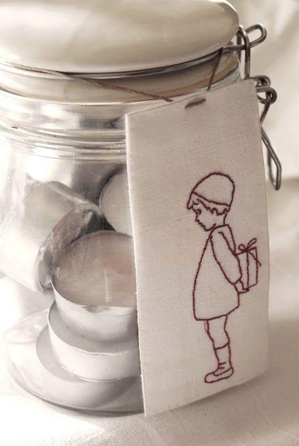 Kijk wat ik gevonden heb op Freubelweb.nl: prachtig lief en zo mooi in zijn eenvoud dit borduurwerkje van Luli #gratis #borduurpatroon http://www.freubelweb.nl/freubel-zelf/zelf-maken-met-borduurgaren-jongetje/