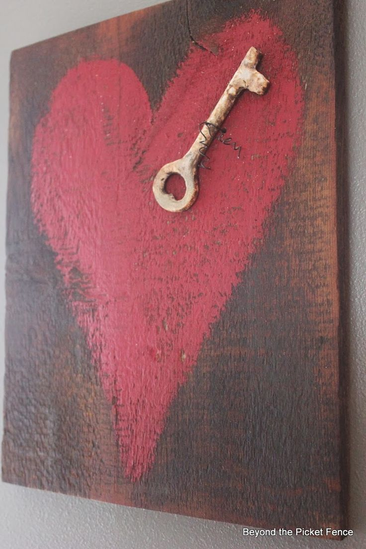 key to my heart reclaimed wood heart art http://bec4-beyondthepicketfence.blogspot.com/2014/01/key-to-my-heart-reclaimed-wood-heart-art.html...