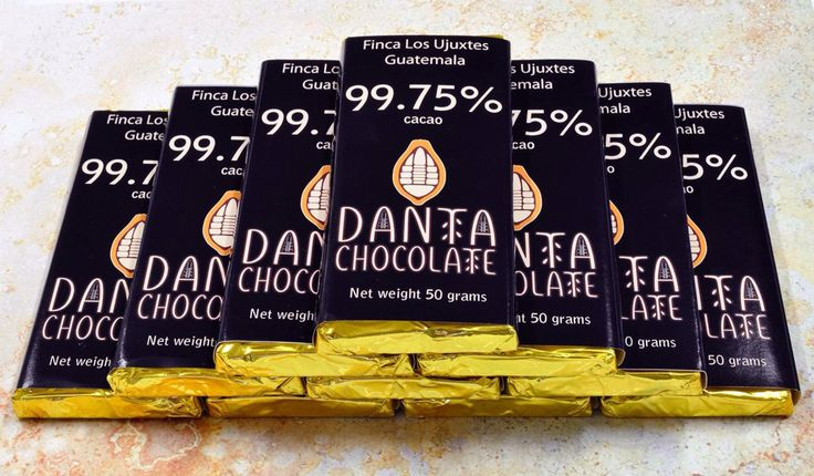 """!De nuevo disponible!  El potente y delicioso chocolate Finca Los Ujuxtes 99.75% cacao.  Para los que desean la experiencia """"total"""" del cacao, para cocinar o para hacer chocolate caliente, no hay mejor.  En barras de 25 y 50 gramos, Q16 y Q32 respectivamente.  Danta Chocolate 10 Calle 0-65 Zona 14, CC Verdever, Local 7. Tel. 2363-0100."""