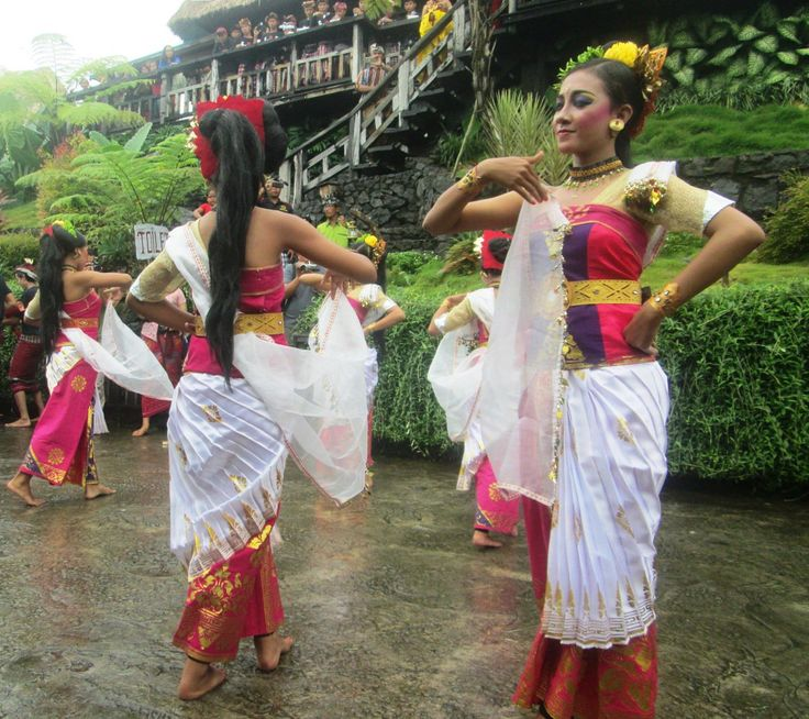 elegant balinese dancers - Twitter Search